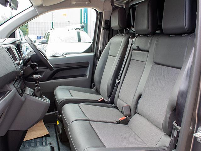 Vauxhall Vivaro-Sportive L2 Cabin Interior