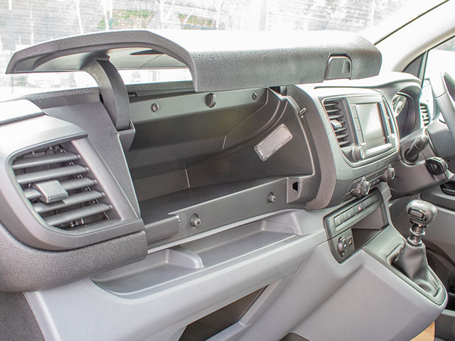 Vauxhall Vivaro-Sportive L2 Dashboard